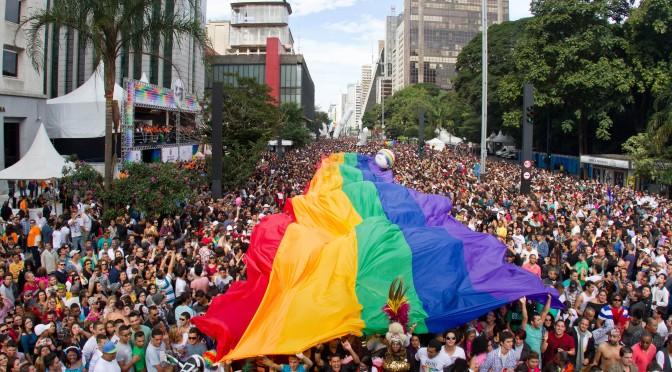 sao-paulo-gay-pride-parade-672x372